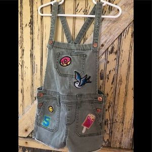 Adorable kids overall shorts with patches